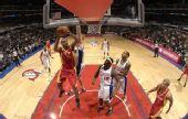 图文:[NBA]火箭战快船 起身上篮