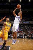 NBA图:国王胜步行者 尤度卡后仰跳投