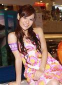 图文:歌手江若琳助威东亚运 江若琳皮肤白皙