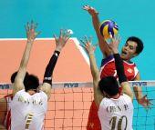 图文:东亚运中国男排胜中国香港 双人拦防对手