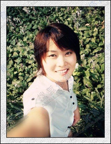 图文:中国橄榄球第一美女管奇仕 自拍美女清纯