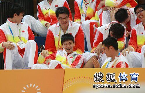 中国男篮轻松观战