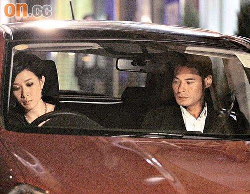 佘诗曼与黄智贤拍摄一场车厢戏,大部分时间零交流。