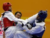 图文:东亚运跆拳道第二日 男子62公斤级半决赛