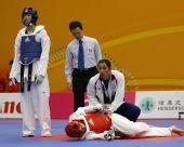 图文:东亚运跆拳道第二日 男子67公斤级半决赛