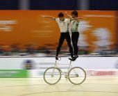 图文:东亚运自行车花式赛 澳门选手在比赛中