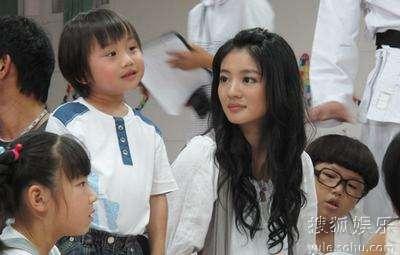 安以轩和小小彬的母子档