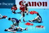 图文:东亚运中国女排胜香港 队员赛前热身