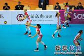 图文:东亚运中国女排夺冠 队员赛前热身