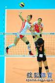 图文:东亚运中国女排夺冠 陈瑶二号位扣球
