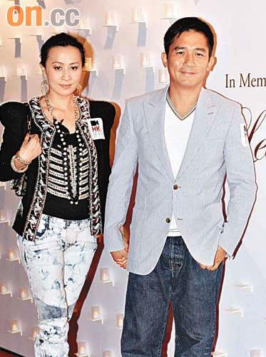 刘嘉玲一脸甜蜜表示与老公度过温馨生日。