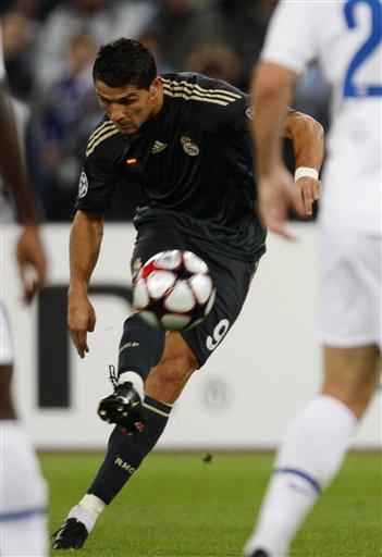 欧冠第一轮苏黎世2-5皇家马德里 C罗标志落叶任意球