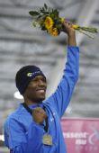 图文:速滑美国选手破世界纪录 戴维斯庆祝