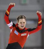图文:速滑德国选手破世界纪录 沃尔夫庆祝