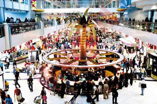 迪拜机场免税店 9000平方米的大店
