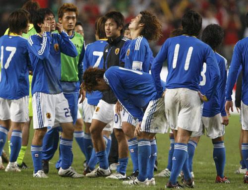日本输球懊恼不已