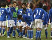 组图:日本输球懊恼不已 香港夺冠跪地拥抱庆祝