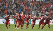 图文:东亚运男足中国香港队夺冠 疯狂庆祝