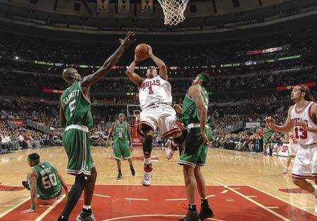 罗斯 皮尔斯/图文:[NBA]凯尔特人胜公牛罗斯勉强出手