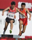 图文:男子3000米障碍赛孙文利夺冠 越过栏架