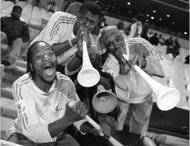 虽然有很多人反对,但明年世界杯南非球迷的喇叭照吹不误。