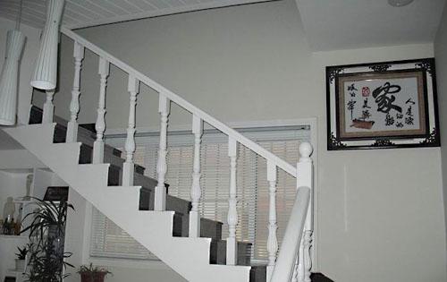 这四幅照片是我家的几个角落,均是以白色为主的.图片