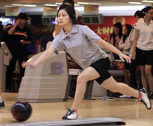 杨穗玲在昆明全国保龄球比赛中
