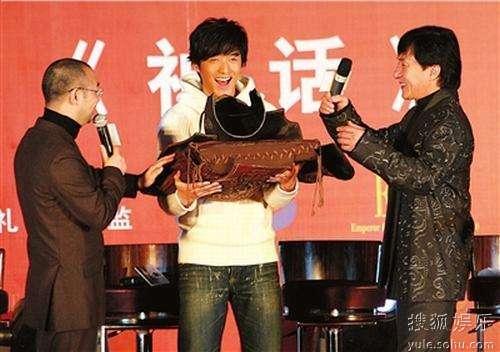 神话成龙胡歌_成龙看好胡歌演技 望创造更精彩《神话》-搜狐娱乐