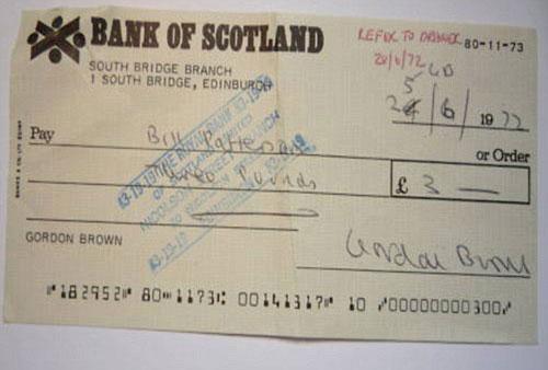 英国布朗首相在上大学时开的空头支票