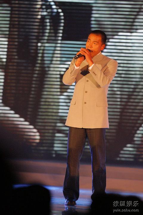 图: 王挺演唱《战士》电视剧主题曲《兄弟》