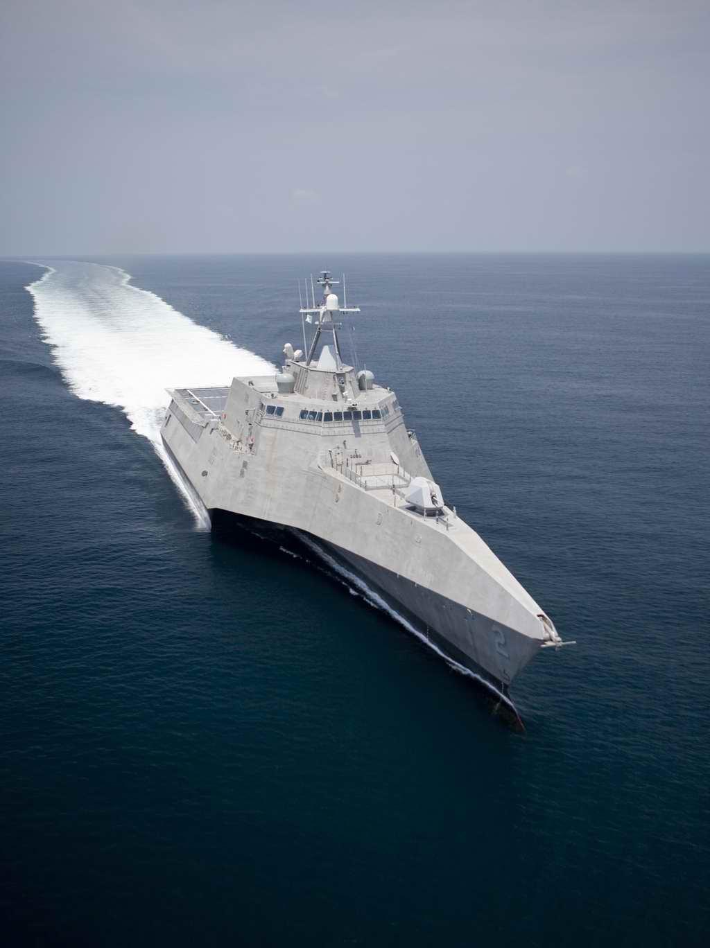 朱姆沃尔特级驱逐舰-美国海军正式接收 独立 号濒海战斗舰