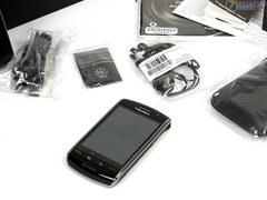 个性黑莓首款触控机 黑莓9500跌破2000
