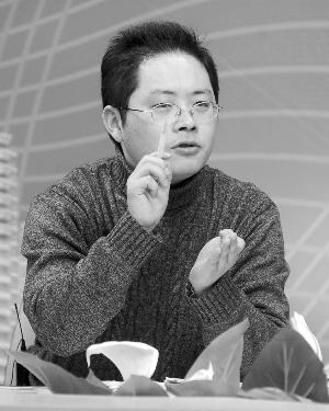 """作为张明宝的辩护律师,江苏东恒律师事务所的曹纯钢律师,最近很""""受伤""""。"""