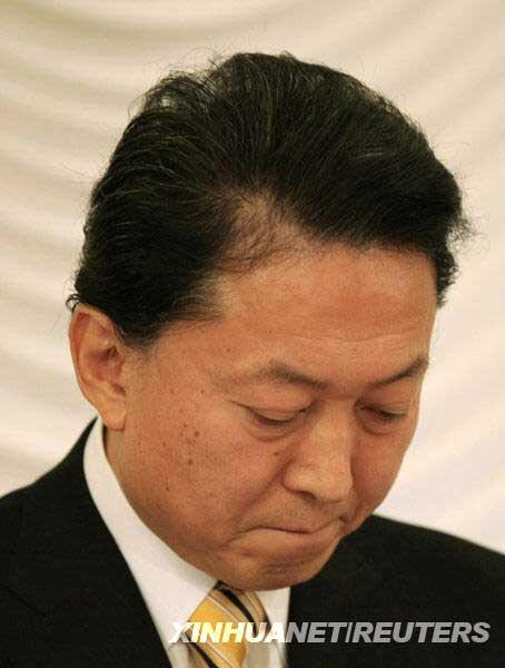 12月24日,日本首相鸠山由纪夫在东京出席新闻发布会。新华社/路透