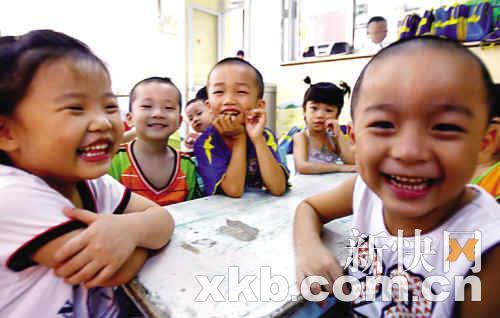 越秀王圣堂村的幼儿园向外来工子女开放。陈昆仑/摄(资料图片)