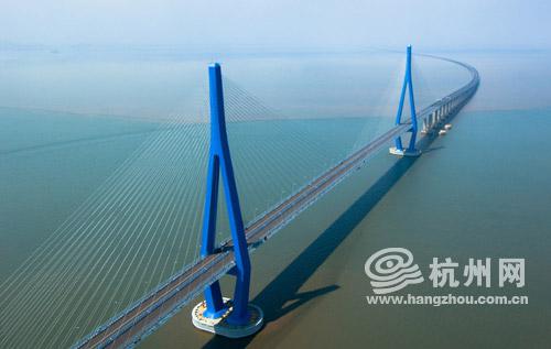舟山跨海大桥之金塘大桥航拍图。