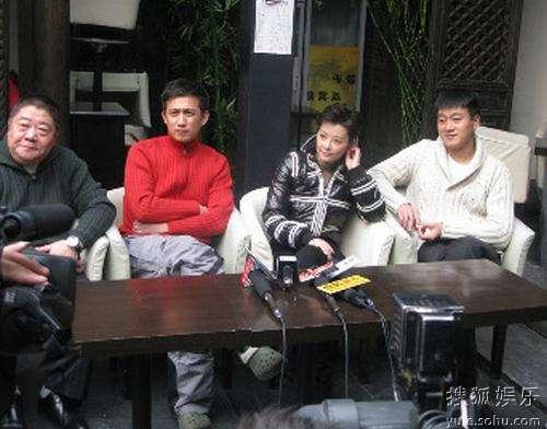 从左到右:刘金山、黄磊、袁立、佟大为