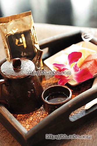客人于护理后,可到休息室内享用水疗中心预备的小食和香草茶。