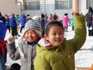 雪中的欢笑