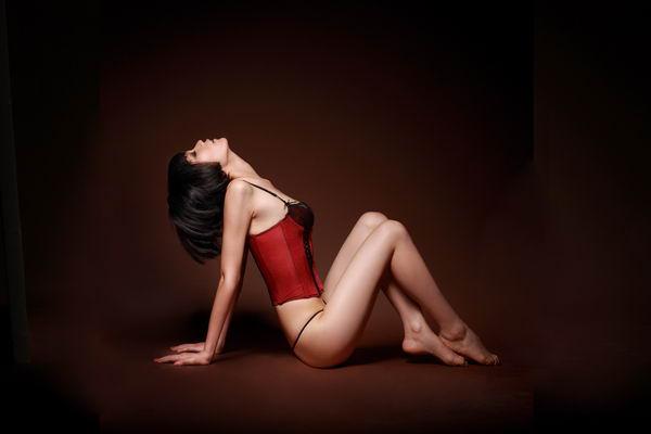男士v男士高端情趣内衣瞄准中产阶层英文翻译情趣内衣情欲图片