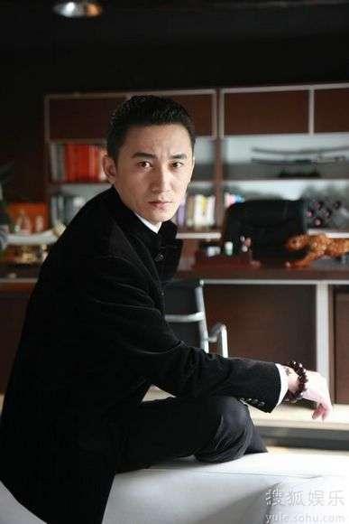 """陈昊在永不瞑目中饰演""""枭雄""""黄建军"""