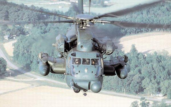 空军的H-53是低空铺路中最后的也是最通用的机型。