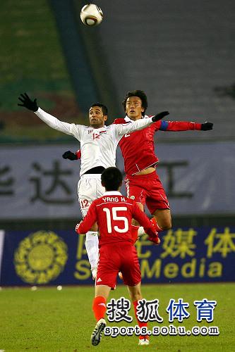 图文:[亚预赛]国足0-0叙利亚 杜威高出一筹