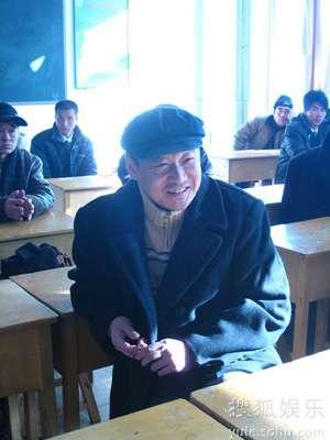 王景春笑得很开心