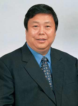 张春江,51岁,山东烟台人,中国移动集团原党组书记兼副总经理。2009年12月,因涉嫌严重经济问题被免职。
