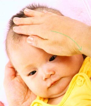 面部按摩促进宝宝大脑发育