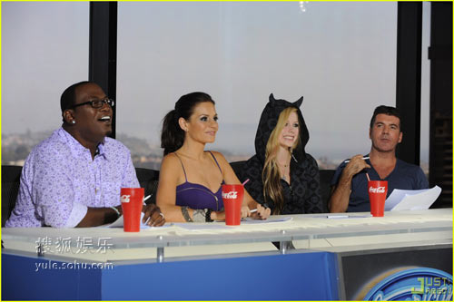 维多利亚、艾薇儿等客串《美国偶像》新一季评委