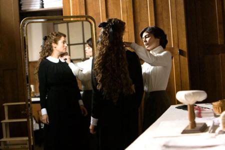 法国女星Audrey Tautou饰演年轻时期的Coco。