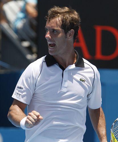 图文:ATP悉尼赛次轮赛况 加斯奎特怒吼庆祝