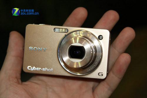 性能全面升级 索尼24mm广角卡片WX1上市